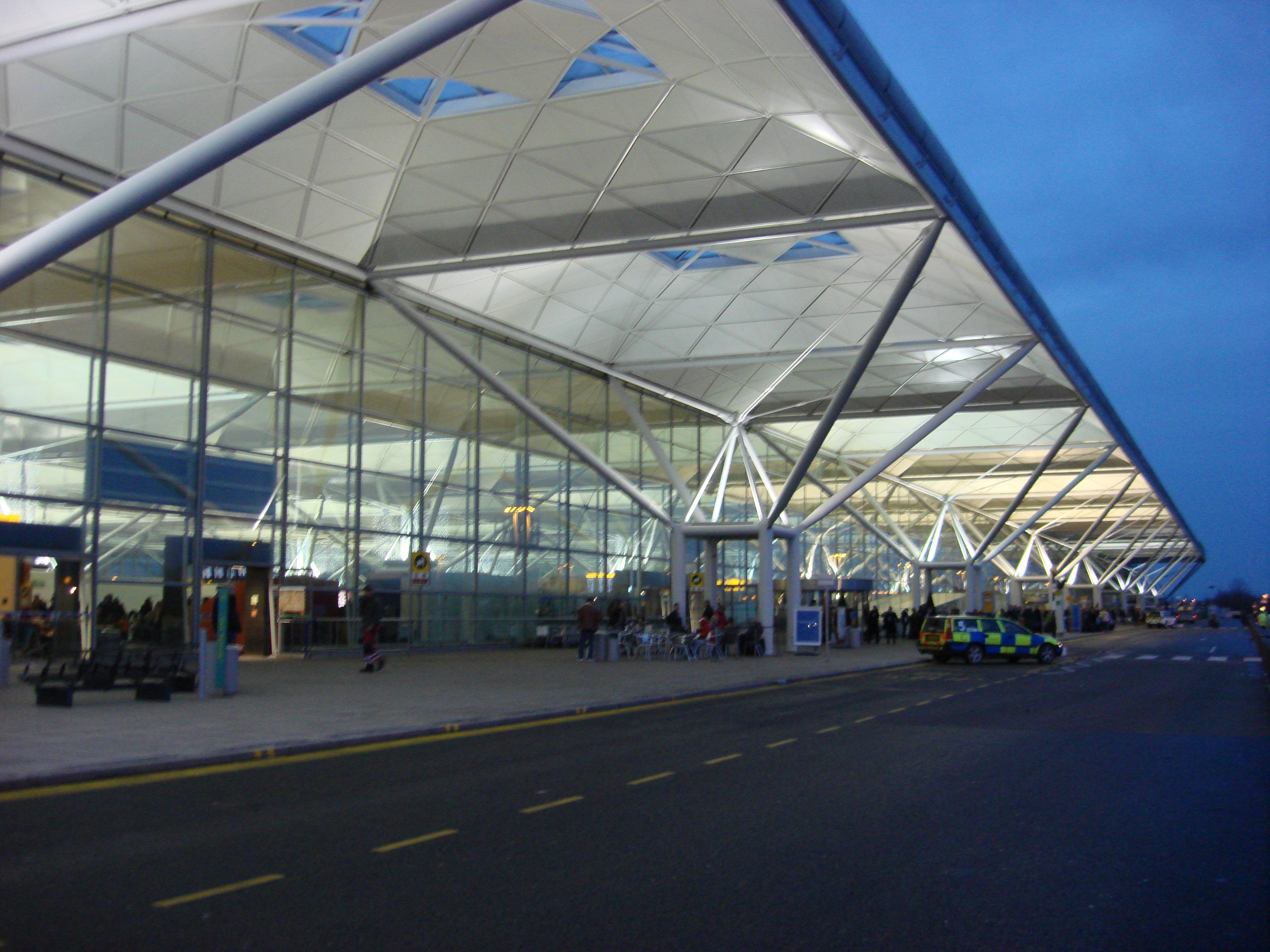 London_Stansted_Airport.jpg