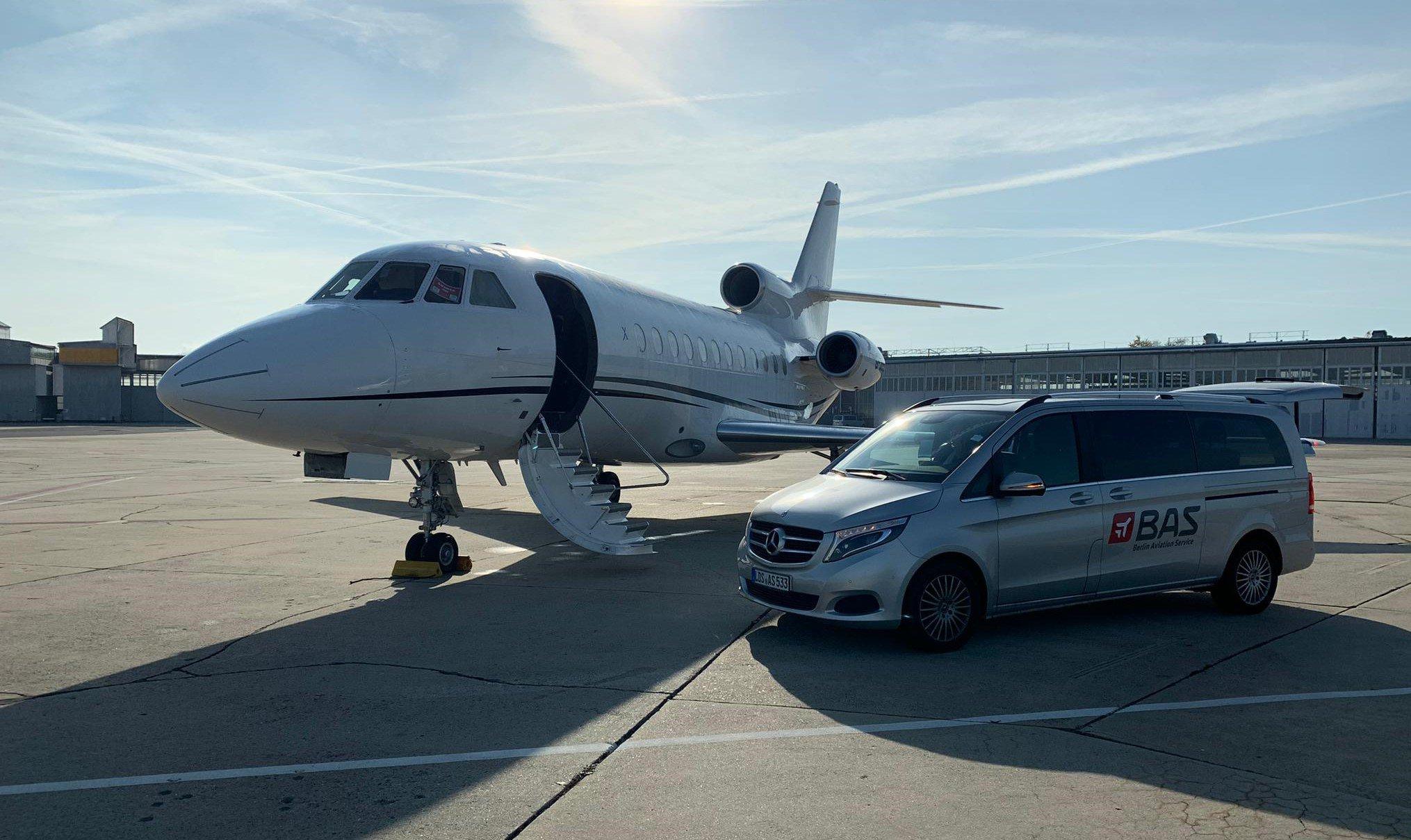 tarmac jet stand by2.jpeg