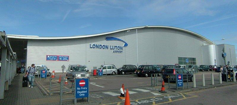 799px-Luton_airport.jpg