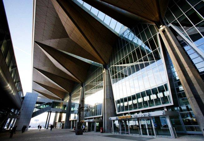 Pulkovo_International_Airport.jpg