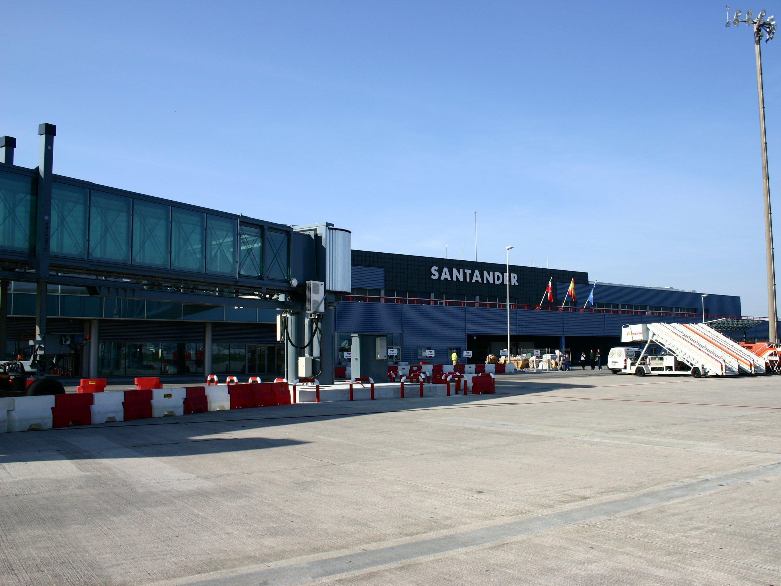 Santander.Airport.jpg